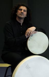 Chiqui García, percusionista y guitarrista profesional, profesor en Bravissimo Music Lab, Cádiz